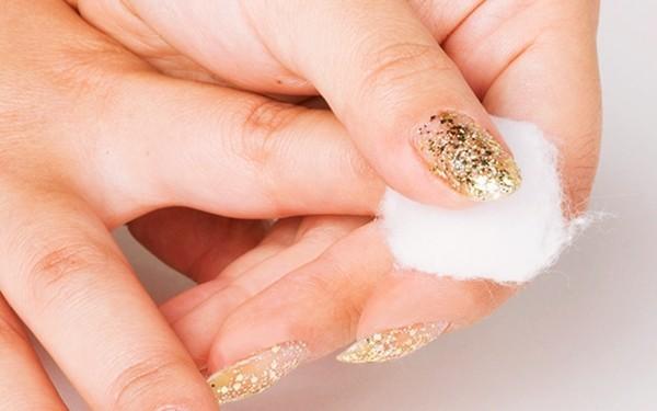 Mổ xẻ tác hại của các loại chất tẩy rửa móng tay
