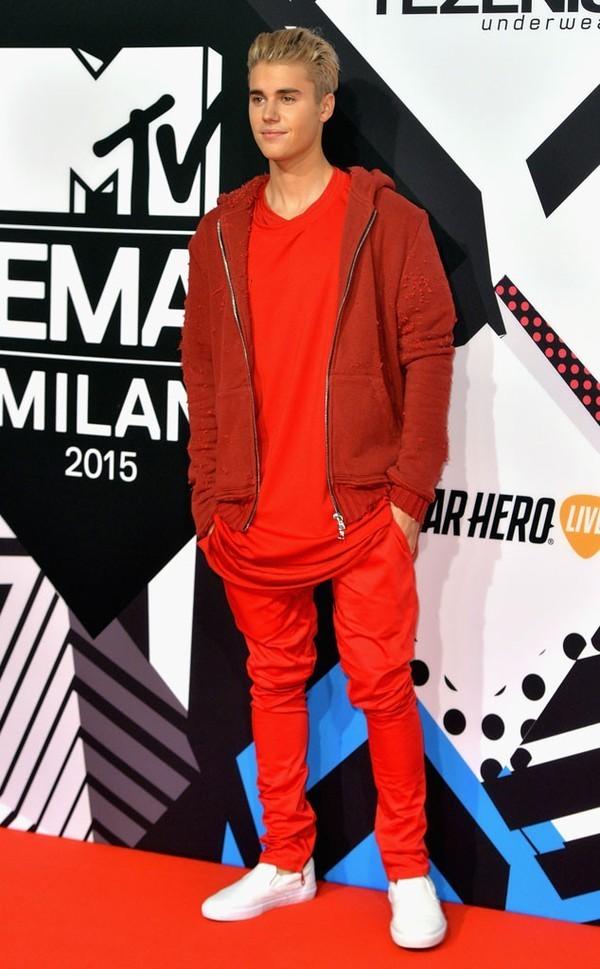 Loạt sao âm nhạc đình đám thế giới tề tựu trên thảm đỏ MTV EMAs 2015