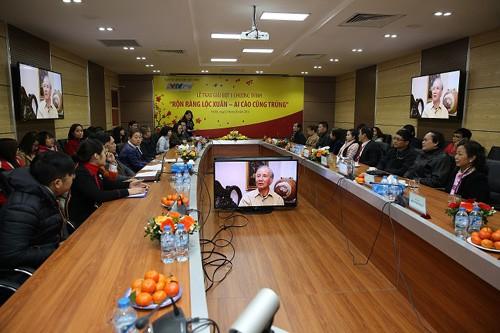CMC Telecom và VTVnet trao lộc Xuân cho khách hàng