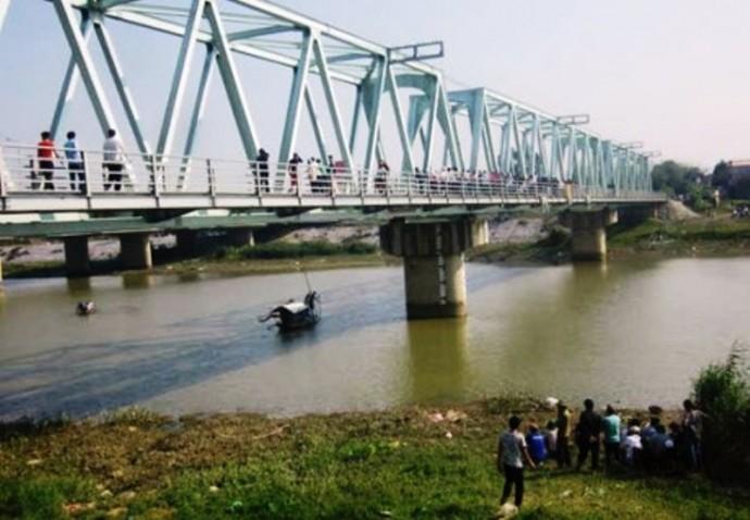 2 vụ nhảy cầu tự tử ở Thanh Hóa: Tìm thấy thi thể thứ 4