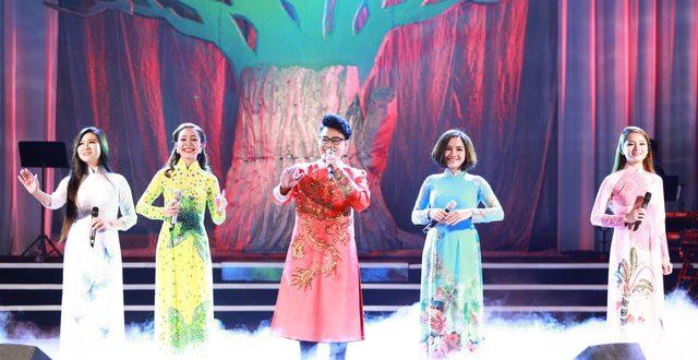 """Ở tuổi 70, danh ca Giao Linh vẫn khiến khán giả """"mộng mị'"""" với nhạc tình"""