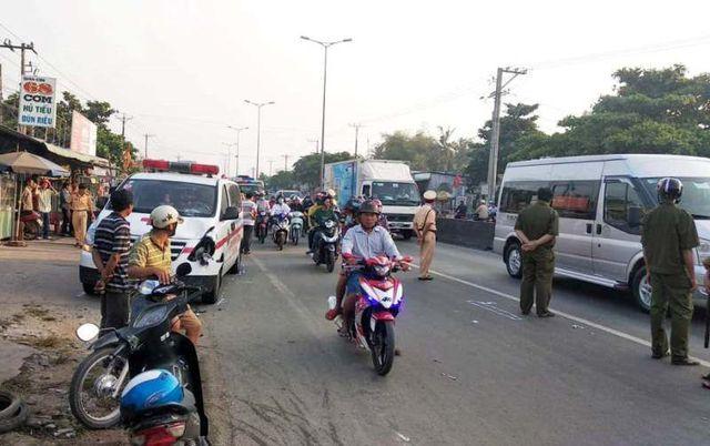 Xe chuyển bệnh từ thiện tông chết người đi bộ qua đường