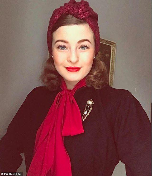 Kỳ lạ thiếu nữ tự quay lùi thời gian, sống như trong thập niên 1940