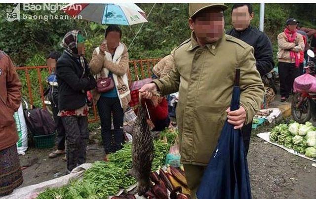 """Huyện Sa Pa phủ nhận chuyện khách du lịch bị """"gài bẫy"""" khi mua thịt thú rừng"""
