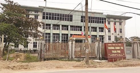 Hà Tĩnh: Cách chức Phó Bí thư với Trưởng khoa xúc phạm lãnh đạo trên facebook