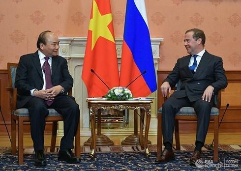 Thủ tướng Nguyễn Xuân Phúc hội đàm với Thủ tướng Nga Medvedev