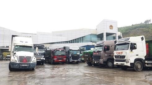 """Hà Tĩnh: Nghi vấn cán bộ biên phòng """"làm luật"""" tại Cửa khẩu Quốc tế Cầu Treo"""