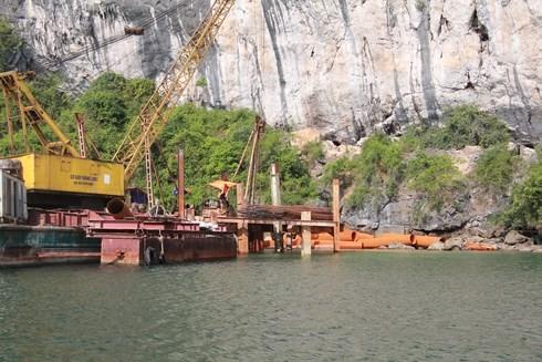 """Loạt công trình """"xẻ thịt"""" vịnh Hạ Long không có đánh giá tác động môi trường"""