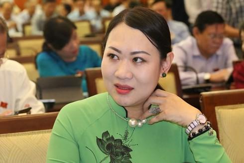 """Đại biểu đề xuất """"dùng lu"""" rớm nước mắt: """"Nhật, Philippines đều dùng lu chống ngập"""""""
