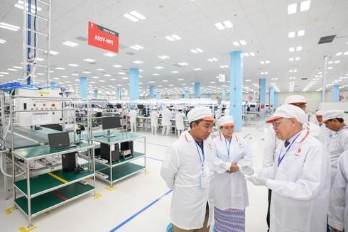 """""""Nhà máy VinSmart dây chuyền hiện đại, kiểm soát chặt chẽ, rất đáng tự hào"""""""