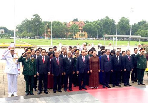 Lãnh đạo Đảng, Nhà nước đặt vòng hoa, viếng Lăng Chủ tịch Hồ Chí Minh nhân ngày 2/9