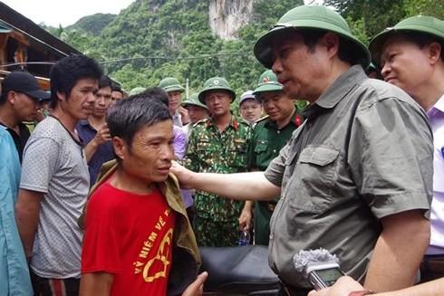 Trưởng Ban Tổ chức Trung ương Phạm Minh Chính thăm vùng lũ Thanh Hóa
