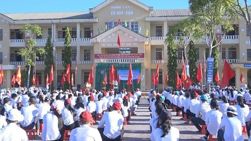 Hà Tĩnh: Một lớp học trường miền núi khó khăn đậu đại học 100%