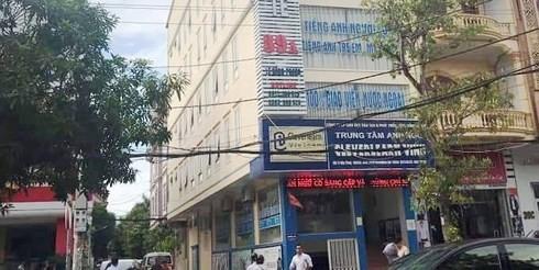 Nghệ An: Thầy giáo người nước ngoài rơi từ tầng 4 xuống đất tử vong