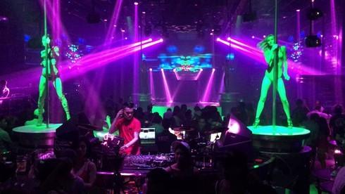 Từ 1/9, quán karaoke hoạt động đến 0 giờ, vũ trường đóng của lúc 2 giờ sáng