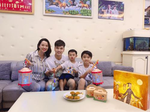 Sao Việt hưởng ứng rước đèn cùng con dịp Trung thu