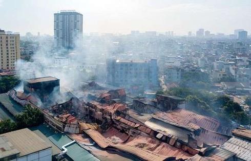 Sau cháy Công ty Rạng Đông: Nhiều phụ huynh mong muốn cho con nghỉ học
