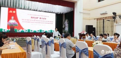 Nước sạch ở TP Vinh làm nóng buổi họp báo, Chủ tịch Nghệ An sẽ họp giải quyết