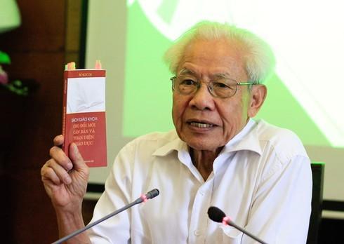 GS Hồ Ngọc Đại: 'Tôi không bất ngờ khi sách bị loại'