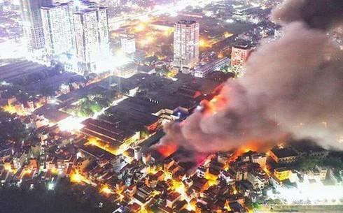 2/5 điểm gần vụ cháy Cty Rạng Đông có thông số lưu huỳnh điôxit vượt ngưỡng