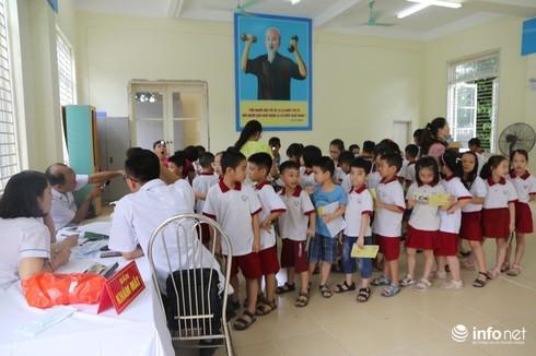 Khám sức khỏe cho học sinh sau vụ cháy Rạng Đông: 21 em phải kiểm tra chuyên sâu