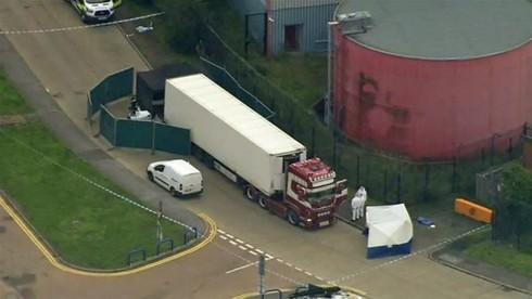 Thủ tướng chỉ đạo xác minh thông tin vụ 39 người chết trong container tại Anh