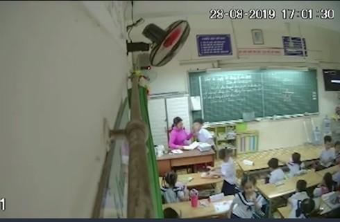 Cô giáo đánh học sinh lớp 2 gửi đơn 'khẩn thiết xin cứu xét'