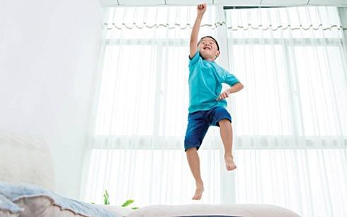 Làm gì trước những đứa trẻ không bao giờ chịu ngồi yên?