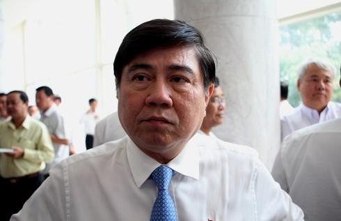 Chủ tịch TP.HCM: Các đồng chí về hưu đi, có việc cần liên hệ sẽ thấy khổ thế nào