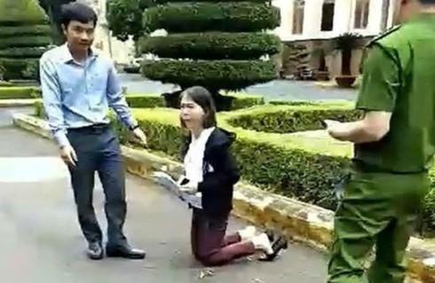 Đắk Lắk: Đã có kết quả trả lời đơn thư của 'cô giáo quỳ' gây xôn xao dư luận