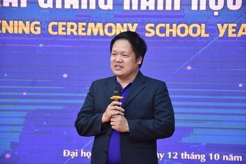 Buổi khai giảng xuyên từ chiều đến đêm của Đại học Phú Xuân