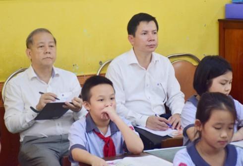 Chủ tịch tỉnh, Giám đốc Sở GD&ĐT TT Huế 'làm học sinh tiểu học' và học môn Đạo đức
