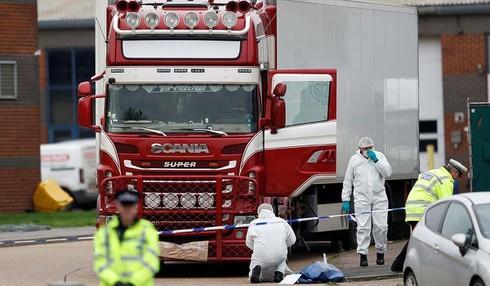 Đang đàm phán đưa thi hài các nạn nhân trong container ở Anh về nước