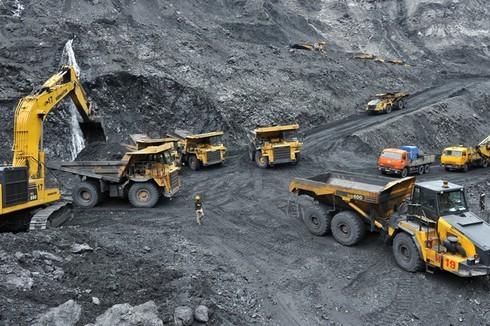 """Bộ TNMT phản hồi về nghi ngờ """"có lợi ích nhóm"""" trong khai thác khoáng sản"""