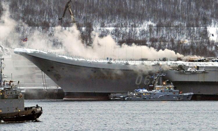 Tàu sân bay Nga hỏng nhẹ sau đám cháy