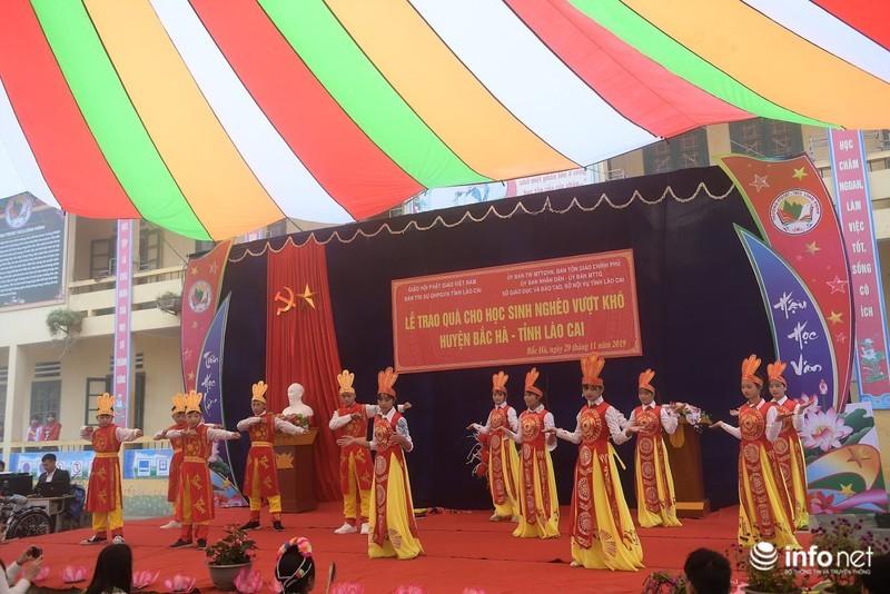 Giáo hội Phật giáo Việt Nam lan tỏa yêu thương đến học sinh nghèo vùng cao
