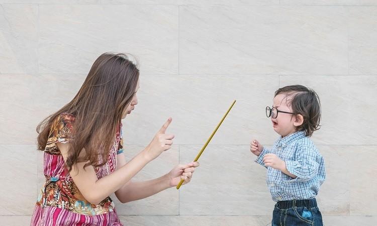 Lỗi phổ biến khi dạy con