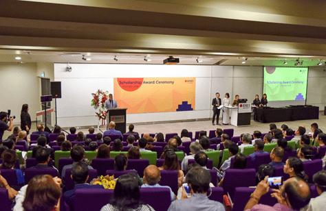 RMIT trao 64 suất học bổng bậc đại học năm 2020