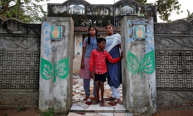 Gia đình sống chật vật 15 năm sau sóng thần