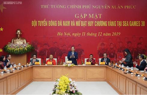 Thủ tướng cảm ơn bầu Đức, bầu Hiển sau thành công của U22 Việt Nam