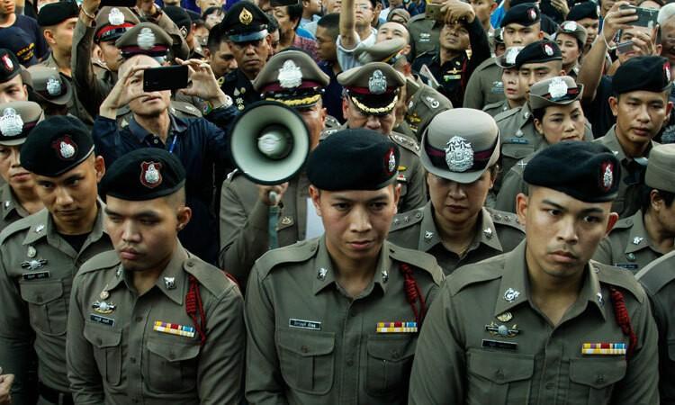 Thái Lan bắt người đăng ảnh 'không phù hợp' trên Facebook
