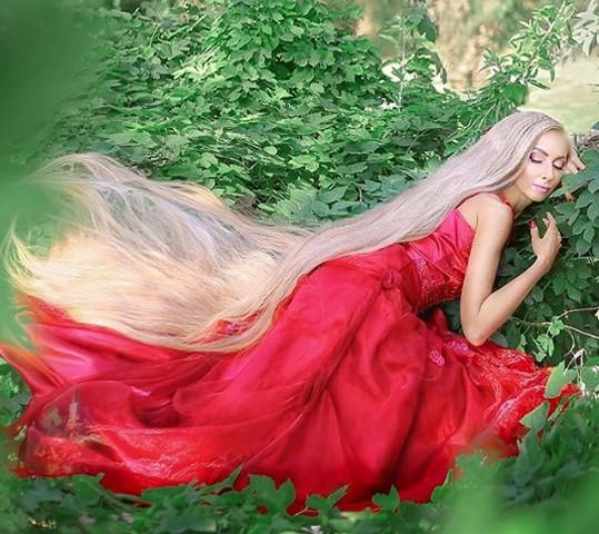 'Công chúa' tóc dài 1,8 mét