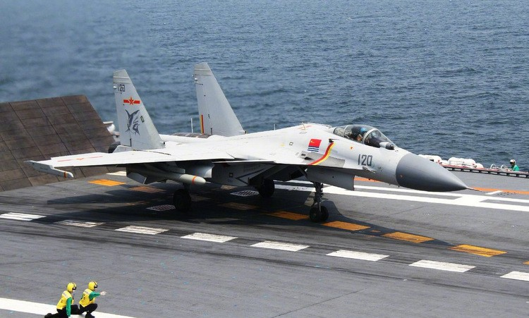 Tiêm kích bị coi là 'gươm cùn' trên tàu sân bay Trung Quốc