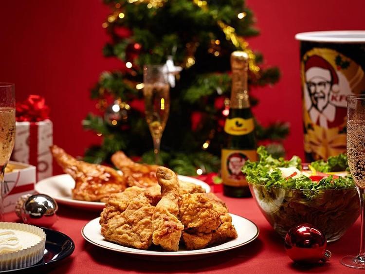 Vì sao người Nhật ăn gà rán KFC vào Giáng sinh?