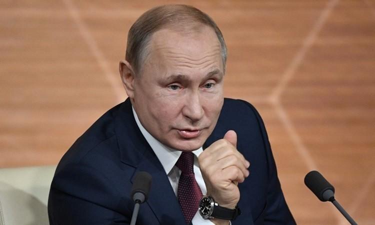 Putin không tin Trump sẽ bị phế truất