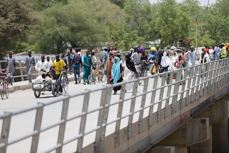 Đánh bom trên cầu, ít nhất 30 người chết
