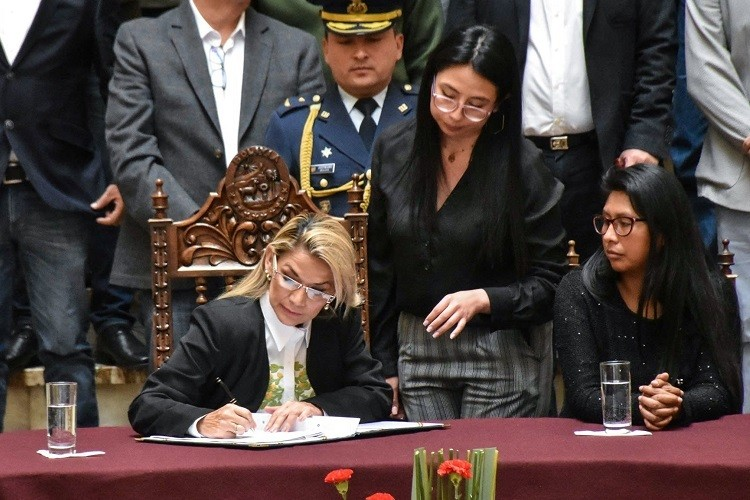 Bolivia bầu tổng thống vào tháng 5