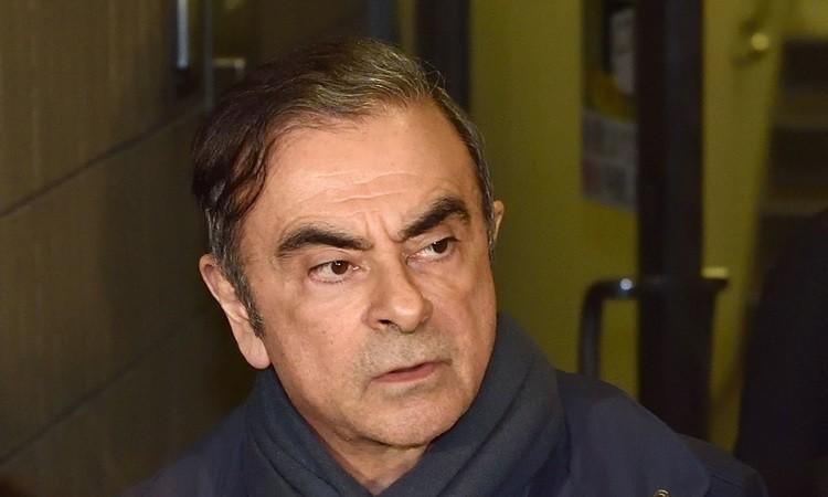 Bắt 7 người trong vụ cựu chủ tịch Nissan bỏ trốn