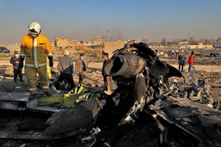 Máy bay Ukraine quay đầu trước khi gặp nạn
