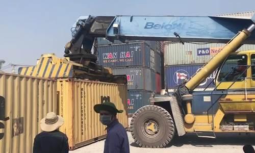 50 container gỗ quý bị bắt ở Sài Gòn